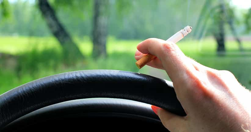 Bundesärztekammer fordert Rauchverbot im Auto