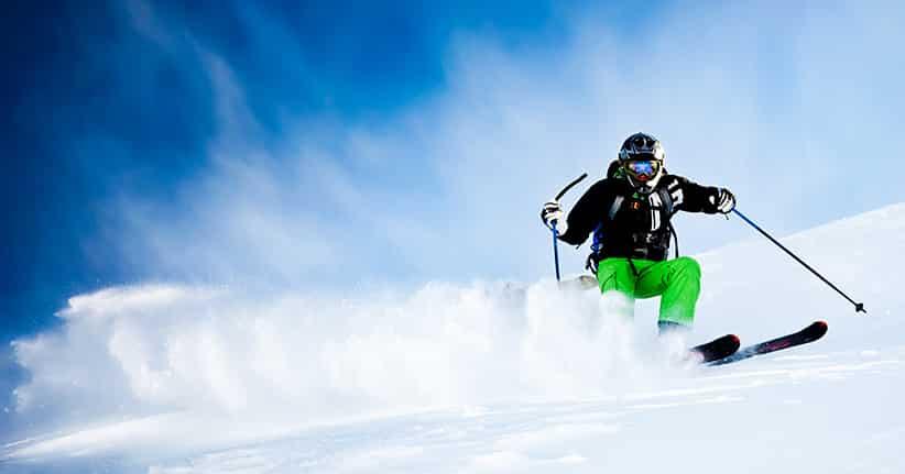 Winter und Schnee leiten Skisaison ein