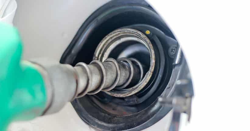 Spritpreise im Tiefflug verbilligen Autofahren