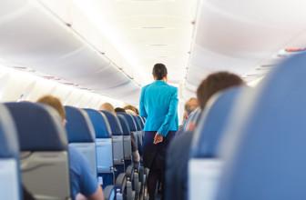 Benimmregeln im Flugzeug – was Flugbegleiter auf die Palme bringt