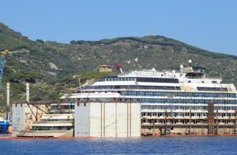 News: Die Costa Concordia tritt ihre letzte Reise an